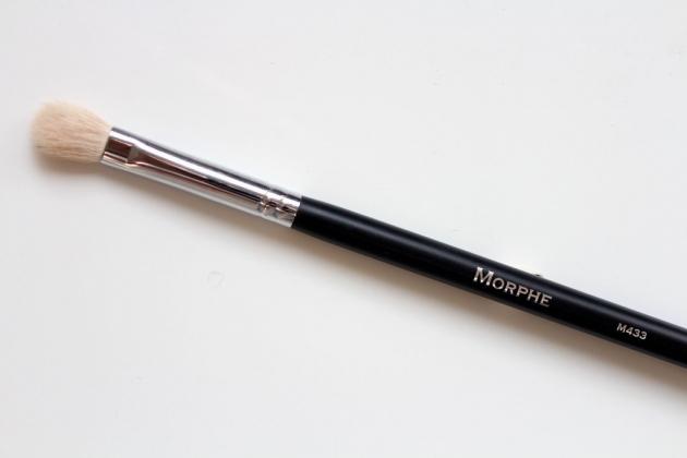 Morphe M433 - PRO FIRM BLENDING FLUFF 眼影刷 暈染刷 3